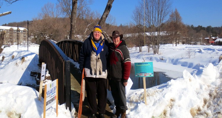 Lion Jim Frost and Canoe FM's Mike Jaycock setting up for the Lion's Polar Bear Challenge